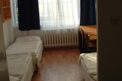 szoba (2)